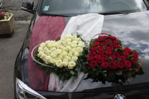 décor voiture mariés mariage Mouy cœurs sur capot