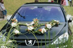Décoration florale de voiture